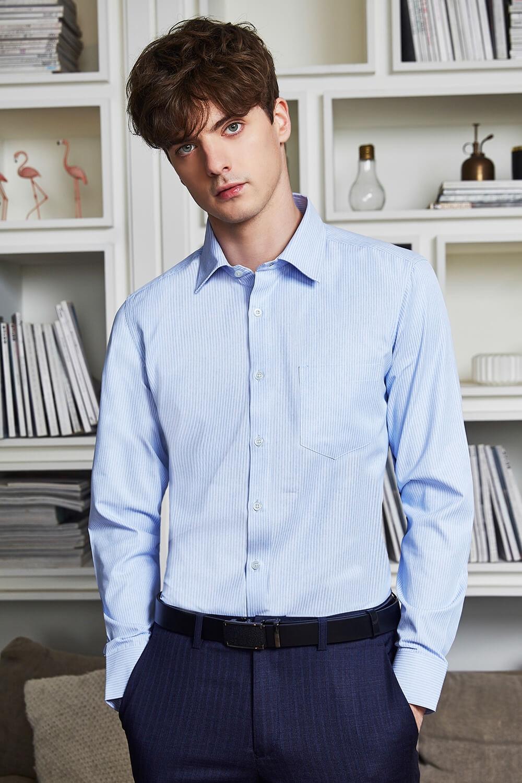 淺藍條紋襯衫